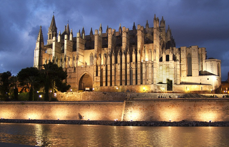 Palma Cathedral - Majorca Things to do for kids